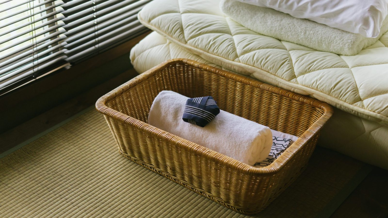 Clean futons, linens, towels, and yukata for all guests staying at Retreat wabi-sabi Shimoda